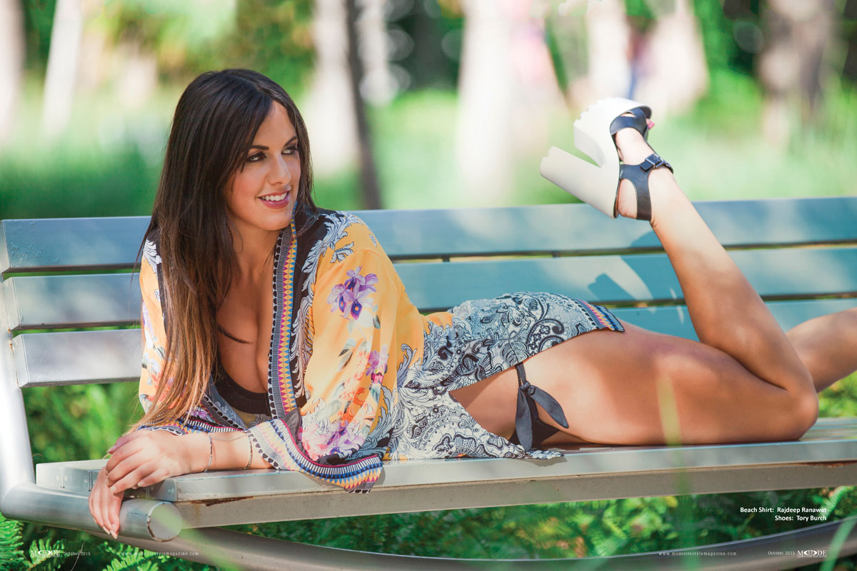 """Claudia Romani – """"Living In Front Of The Camera"""" MODE Oct 2015 Exclusive - Page Spreads 48-57 - P5"""